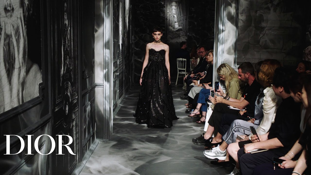 Relive-the-Dior-Autumn-Winter-2019-2020-Haute-Couture-show
